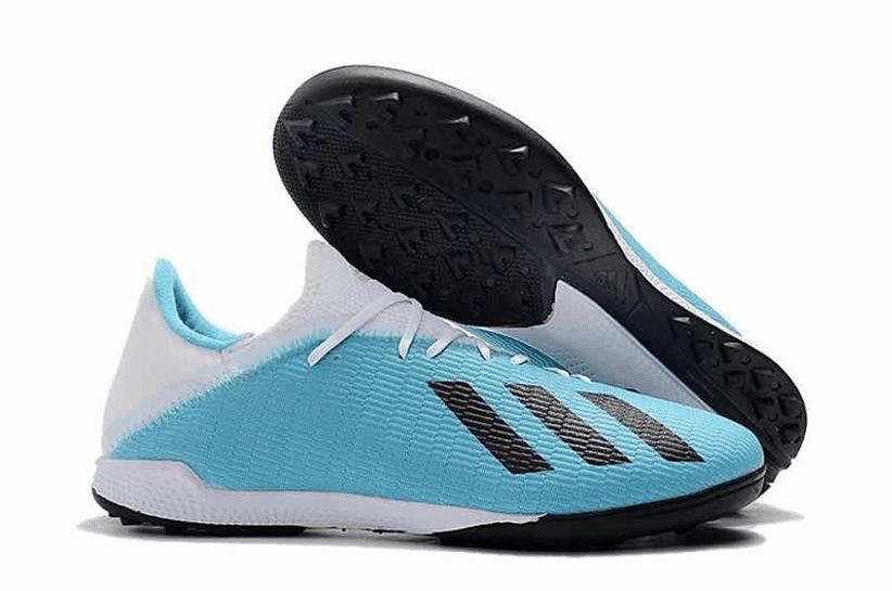 Giày bóng đá da vải X19.3 được yêu thích với lớp da mềm mỏng co giãn tốt