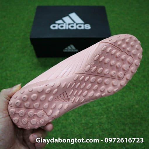 Giay bong da mau hong phan Adidas Predator 18.4 TF Xuan Truong (1)