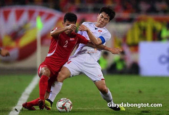 Giay da bong cua Luong Xuan Truong hay su dung la Adidas Predator ACE dinh cao (1)