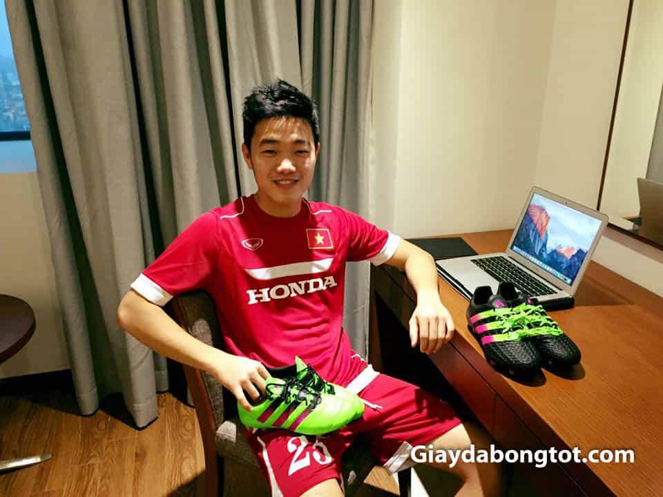 Giay da bong cua Luong Xuan Truong hay su dung la Adidas Predator ACE dinh cao (5)