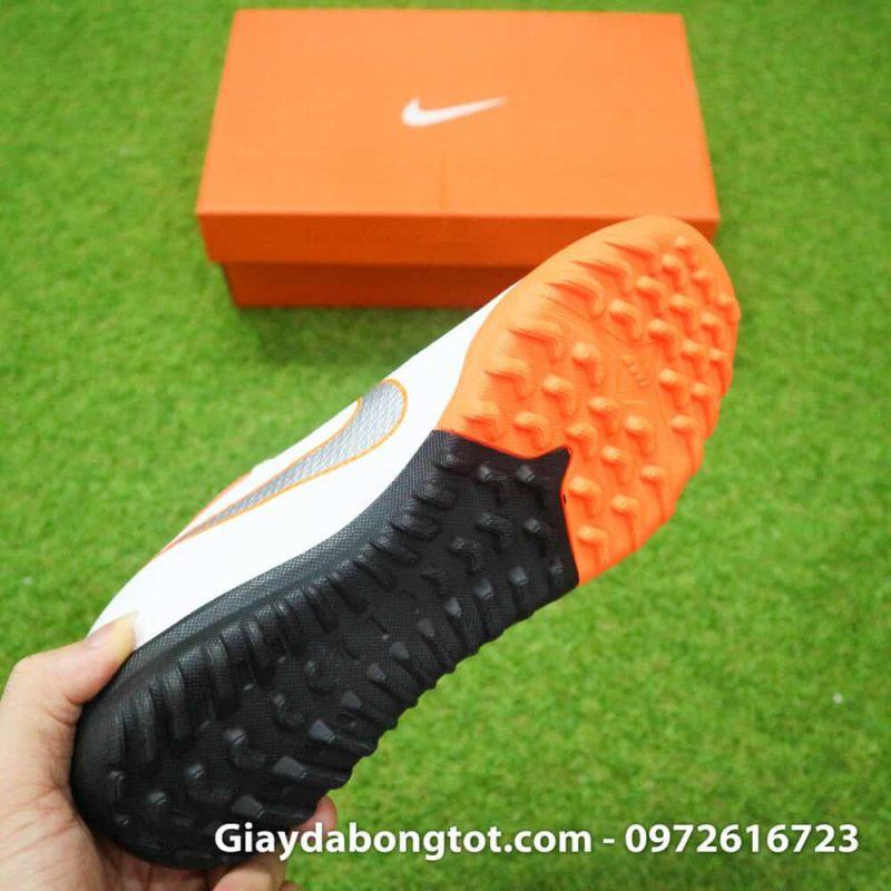 Giay da bong om chan Nike Mercurial WC TF mau trang san co nhan tao (10)