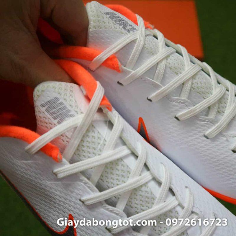 Giay da bong om chan Nike Mercurial WC TF mau trang san co nhan tao (12)