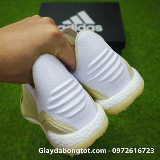 Giay da bong san co nhan tao khong day sieu nhe Adidas X18+ mau trang sua (9)