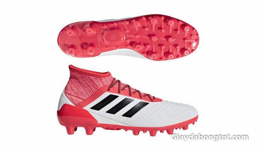 Giày đá bóng đinh cao HG được thiết kế riêng cho Nhật Bản
