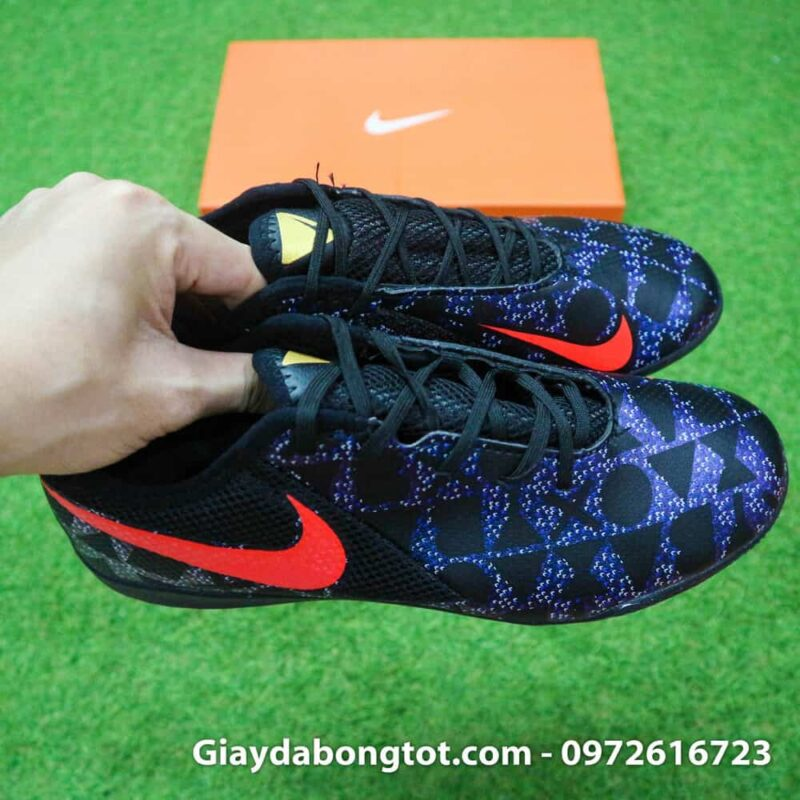 Giày đá bóng Nike Phantom VSN là dòng giày mới hỗ trợ kiểm soát bóng tốt với vân nổi