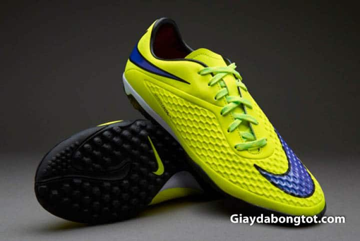 Giày đá banh sân cỏ nhân tạo Nike Hypervenom I được nhiều cầu thủ phủi săn tìm