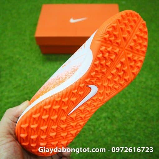 Giay da bong Nike Phantom VNM TF mau trang cam (7)