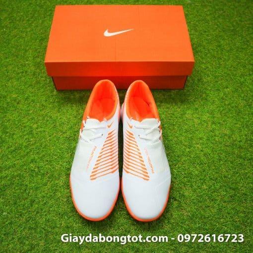 Giày đá bóng Nike Phantom VNM đinh dăm TF có form dáng thoải mái, êm ái