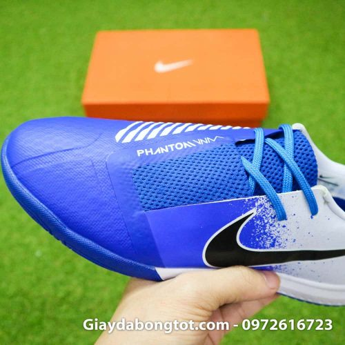 Giay da bong Nike Phantom VNM TF xanh duong trang (1)