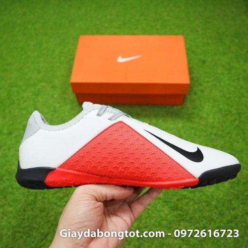 Giày đá bóng Nike Phantom VSN Academy TF có thiết kế thon gọn ôm chân hỗ trợ di chuyển tốt