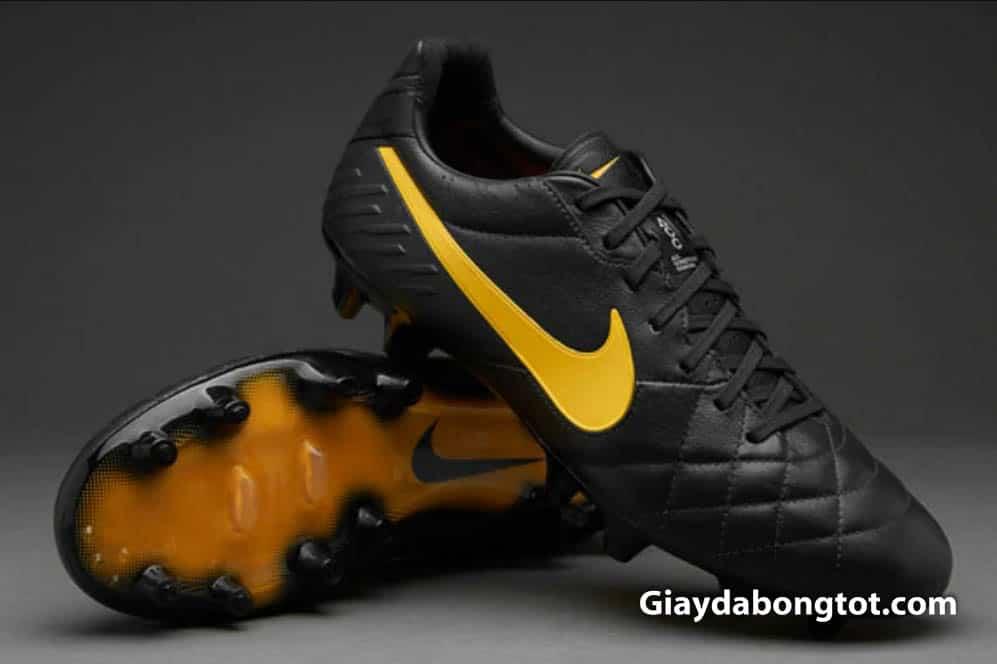 Giày đá bóng Nike Tiempo Legend IV được sử dụng tại Euro 2012