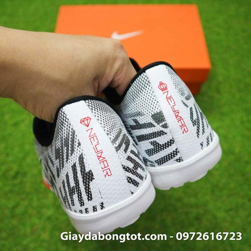 Giay da bong tre em Nike Mercurial Neymar mau den trang tuyet dep (11)