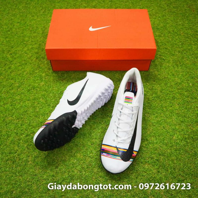 Giay san co nhan tao Nike Mercurial CR7 Level Up mau trang co thap (3)