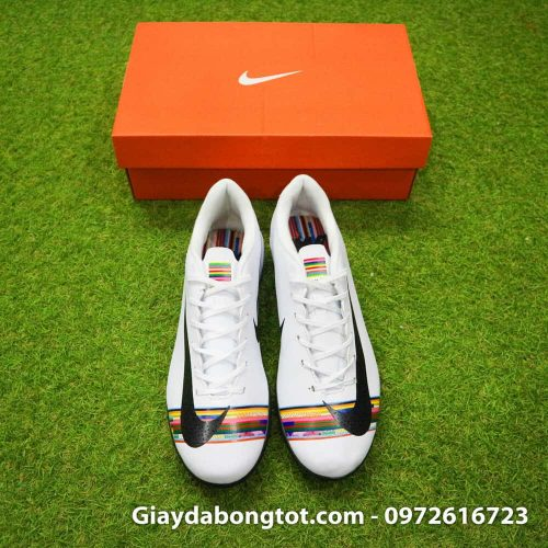 Giay san co nhan tao Nike Mercurial CR7 Level Up mau trang co thap (4)