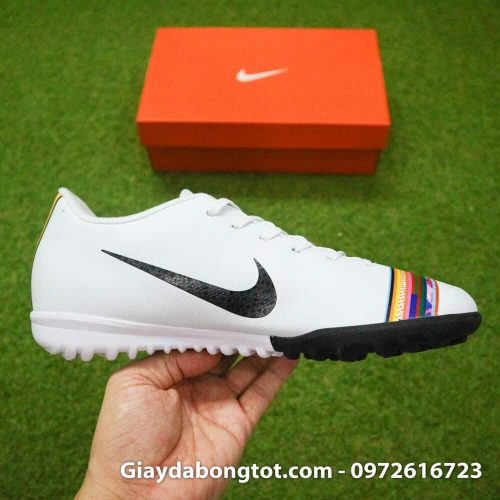 Giay san co nhan tao Nike Mercurial CR7 Level Up mau trang co thap (6)