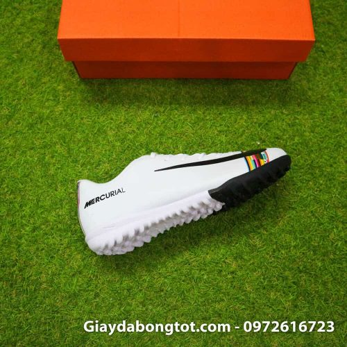 Giay san co nhan tao Nike Mercurial CR7 Level Up mau trang co thap (9)
