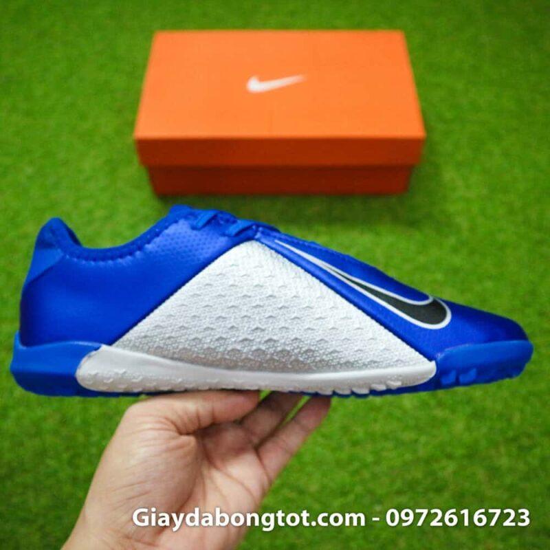 Má trong của giày có vân nổi tăng độ bám bóng, tăng khả năng kiểm soát bóng