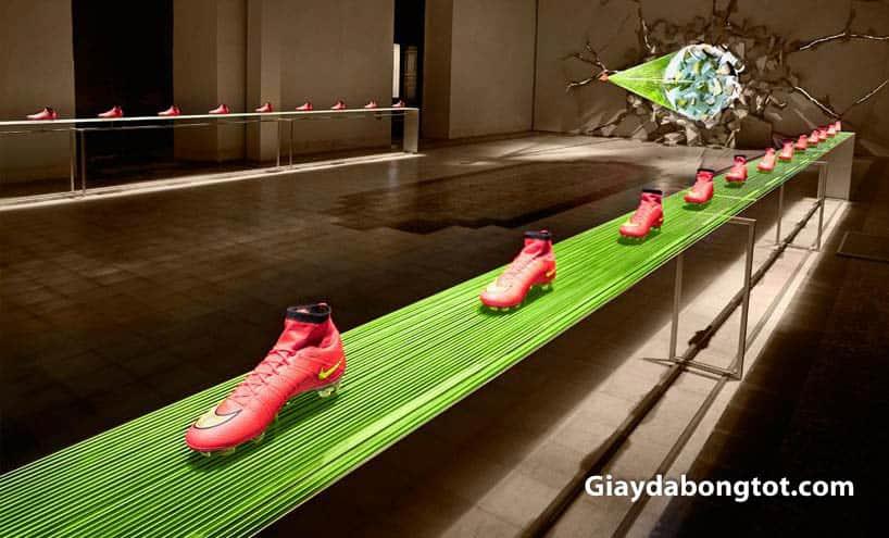 Rất nhiều công nghệ được tích hợp vào quá trình sản xuất giày đá bóng Nike Mercurial Superfly