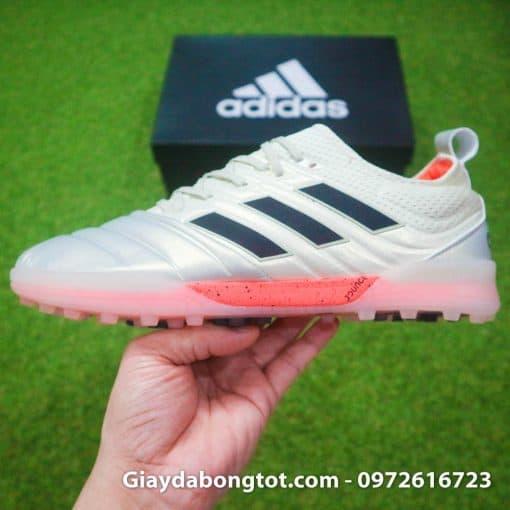 Giày đá banh da mềm Copa 19.1 TF là phiên bản đẹp nhất dòng đinh TF của Adidas Copa