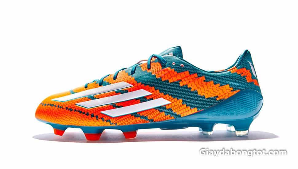 Công Phượng cũng thích mẫu giày đá banh Adidas Adizero F50 của Messi và đã từng sử dụng để thi đấu