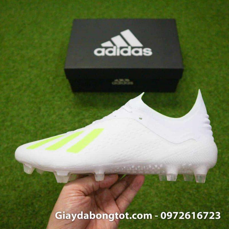 Giày đá bóng đinh cao Adidas X18.1 màu trắng có form giày thon gọn đẹp mắt