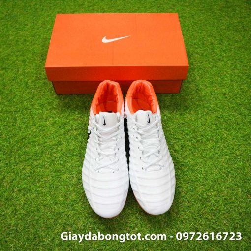 Giày Nike Tiempo Legend VII là một mẫu giày đinh cao phù hợp với cả bàn chân bè
