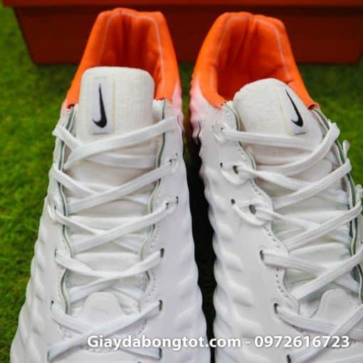 Giay da bong da mem Nike Tiempo Legend VII FG trang cam om chan (12)