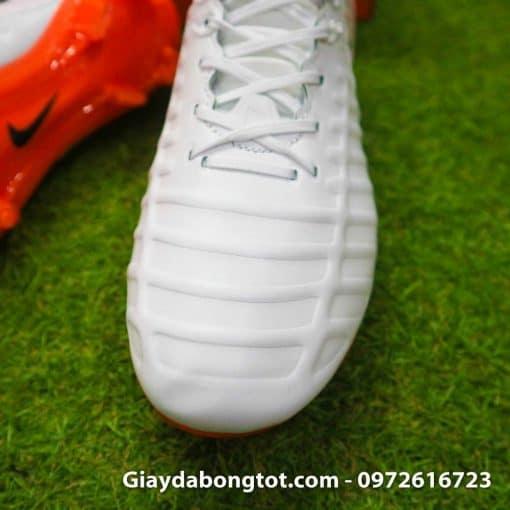 Giay da bong da mem Nike Tiempo Legend VII FG trang cam om chan (5)