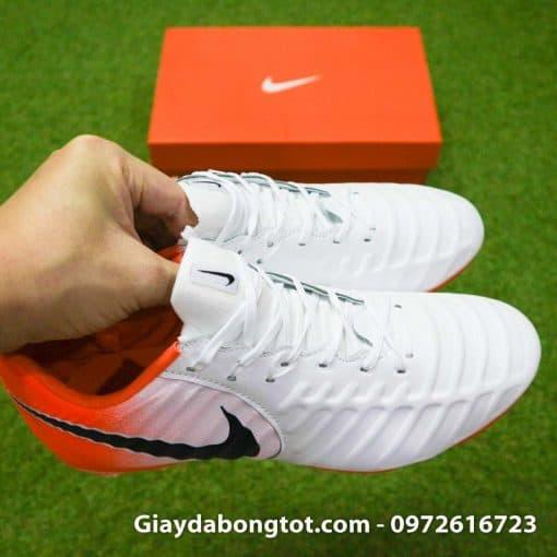 Giay da bong da mem Nike Tiempo Legend VII FG trang cam om chan (6)