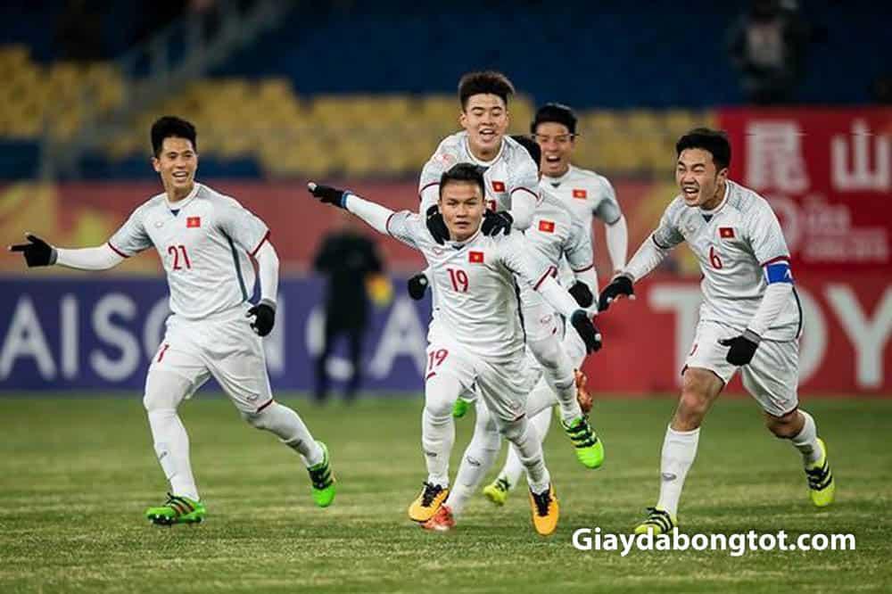 Các cầu thủ đội tuyển Việt Nam rất thích sử dụng giày đá bóng Adidas ACE 16.1