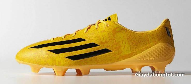 Rất nhiều mẫu giày đá banh Adidas Adizero với màu sắc khác nhau được các cầu thủ Việt Nam sử dụng