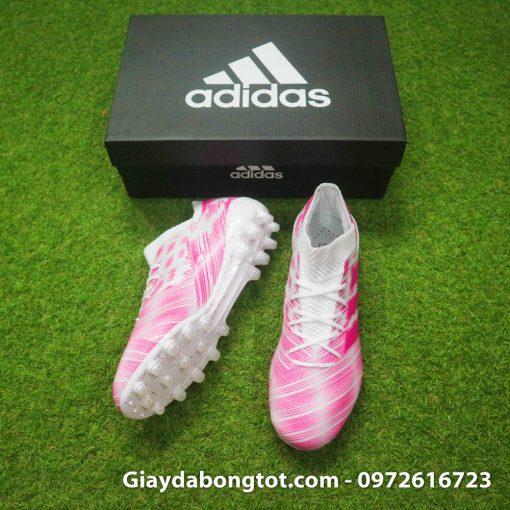 Giày đá bóng màu hồng Adidas Nemeziz 18.1 được sản xuất với da vải êm mềm và ôm chân