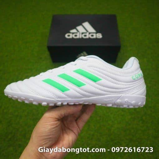 Giày đá banh Adidas Copa 19.4 TF trắng vạch xanh với form giày thon gọn hỗ trợ sút bóng cực tốt