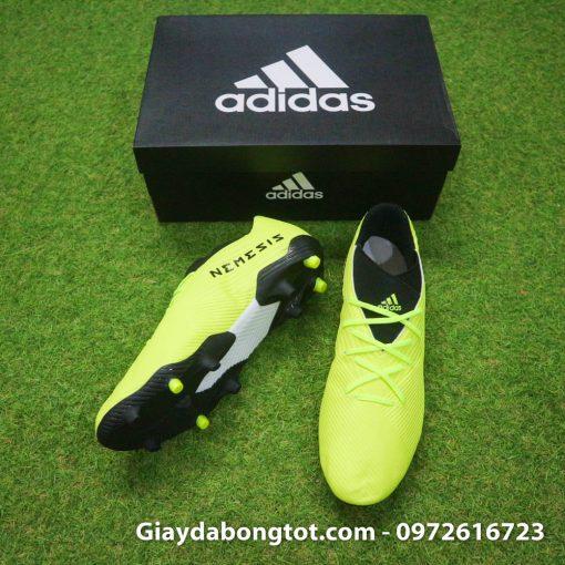 Giày bóng đá Adidas Nemeziz 19.3 FG màu vàng chuối với da mỏng sẽ mang lại cảm giác thật chân