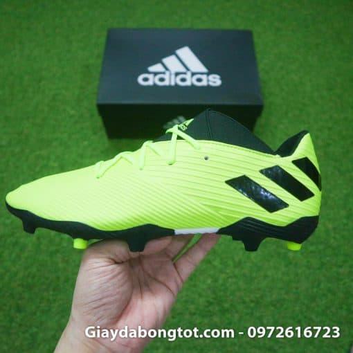 Form giày bóng đá Adidas Nemeziz 19.3 FG rất thon gọn với trọng lượng nhẹ