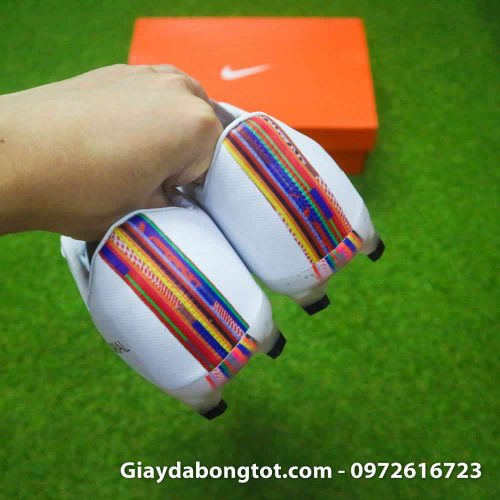 Giay da bong Nike Mercurial CR7 FG mau trang level up (1)