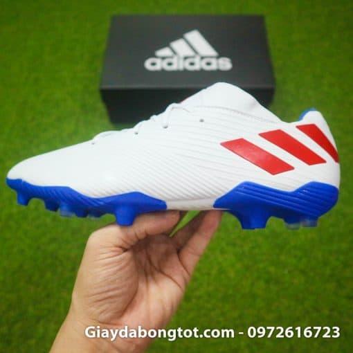 Giày đá banh Adidas Nemeziz 19.3 FG có form giày thon gọn đẹp mắt và ôm chân