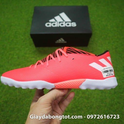 Giày đá bóng Adidas màu hồng Nemeziz 19.3 TF Messi với da mềm êm chân
