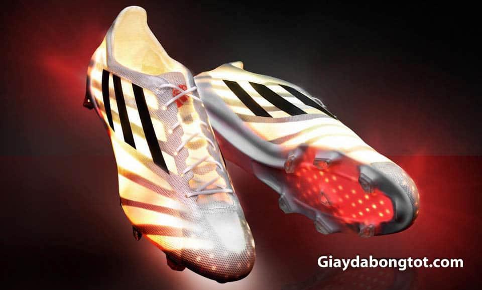 Da nhân tạo Synthetic giúp các hãng giày tạo ra các đôi giày đá bóng siêu nhẹ