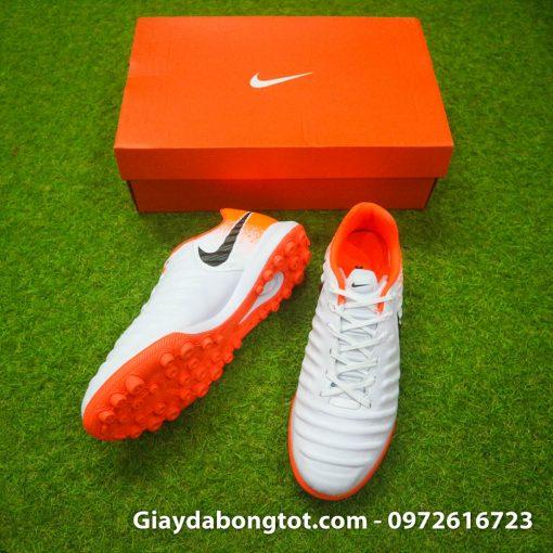 Giày đá bóng Nike Tiempo X 7 Pro trắng cam có form giày thoải mái và da mềm