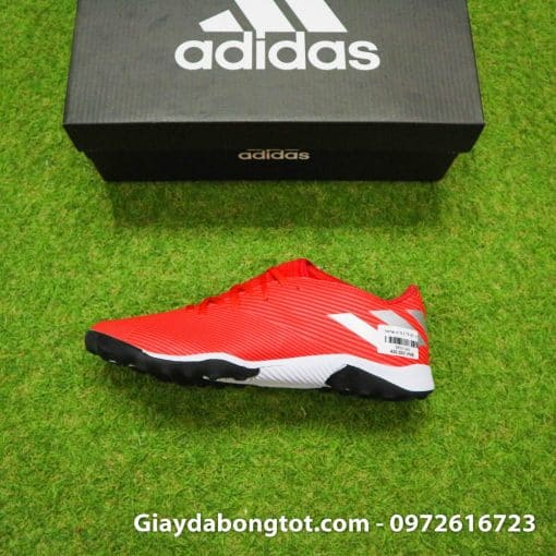 Giày đá bóng sân cỏ nhân tạo Adidas Nemeziz 19.3 được làm theo phiên bản giày thi đấu của Messi