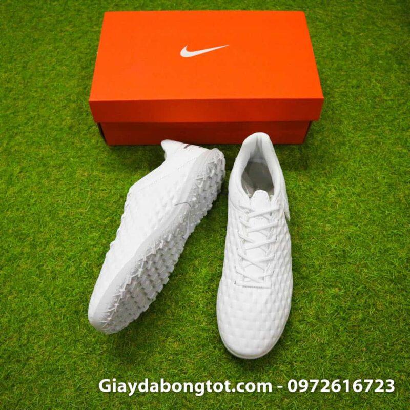 Thiết kế của giày bóng đá Nike Tiempo 8 TF khá là thoải mái và phù hợp với bàn chân bè