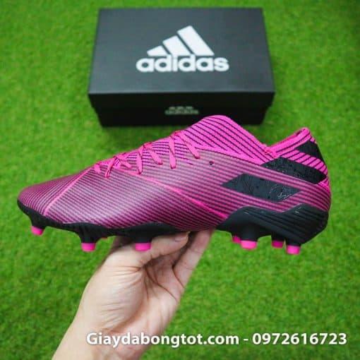 Form giày đá banh Adidas Nemeziz 19.1 FG màu hồng đen rất thon gọn và đẹp mắt hỗ trợ dứt điểm tốt