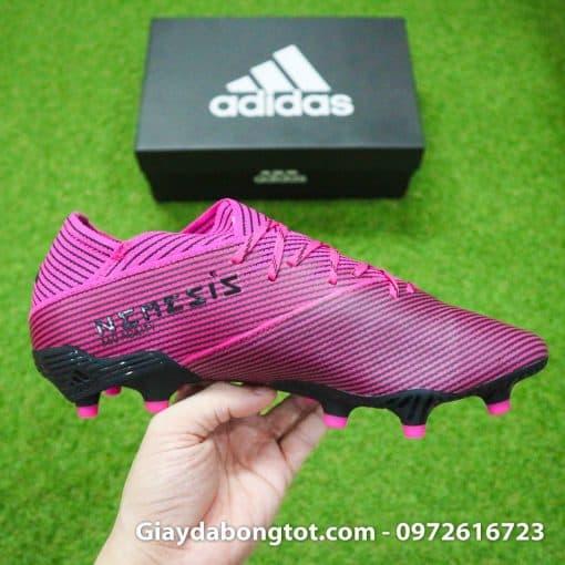 Giày Adidas Nemeziz 19.1 FG được làm bằng da vải ôm chân nhưng mang lại thoải mái cho người mang