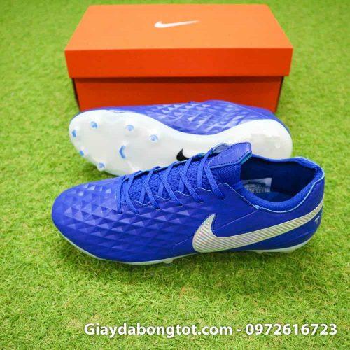 Giày Nike Tiempo Legend 8 FG với form giày ôm chân nhưng vẫn mang lại sự thoải mái cho người mang với lớp da mềm và mỏng