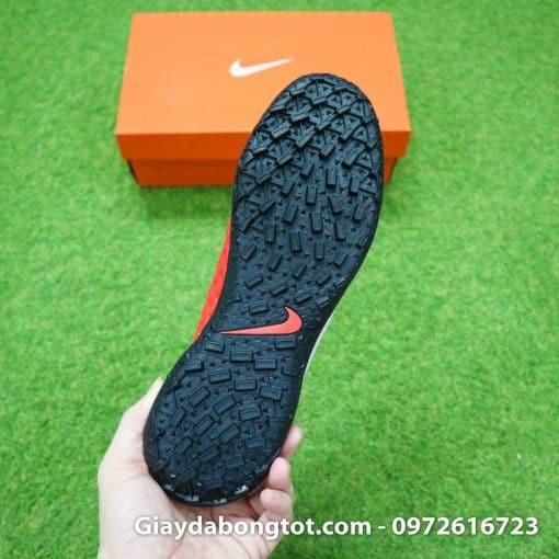 Đế giày đinh dăm TF Nike Tiempo 8 với thiết kế bám sân cực tốt trên sân cỏ nhân tạo