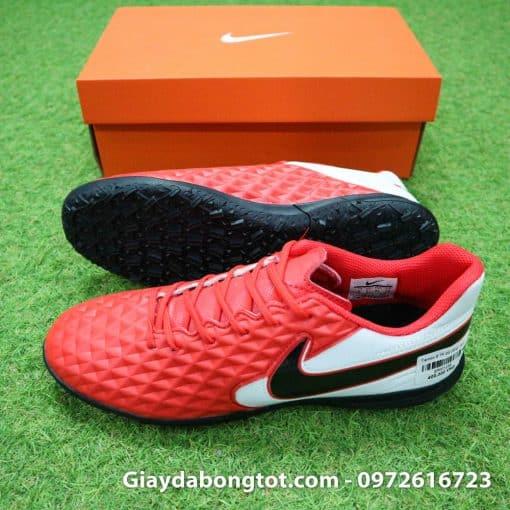 Giày đá bóng Nike Tiempo 8 TF với thiết kế cổ điển và da mềm êm chân