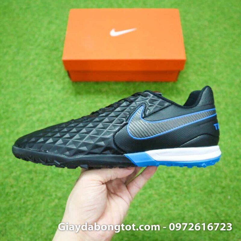Đế giày Nike Tiempo Legend 8 Pro TF được thiết kế êm ái với lớp đệm xốp ở gót chân