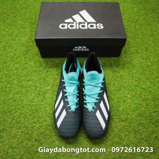 Giày đá bóng Adidas X19.3 TF có da làm bằng vải mềm phủ nhựa bên ngoài