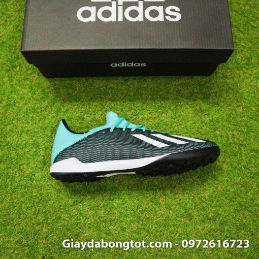 Giày Adidas X19.3 có form giày thon gọn hỗ trợ di chuyển rê dắt và sút bóng tốt
